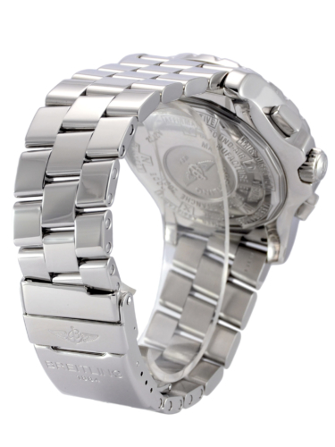 Bracelet clasp view image of a second hand, stainless steel Breitling Skyracer Grey A2736223/F532, complete with box & papers